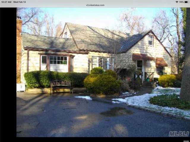4 BR,  2.00 BTH  Cape style home in Locust Valley